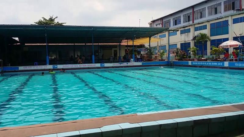 Không gian hồ bơi Trung Tâm Văn Hóa Quận 12