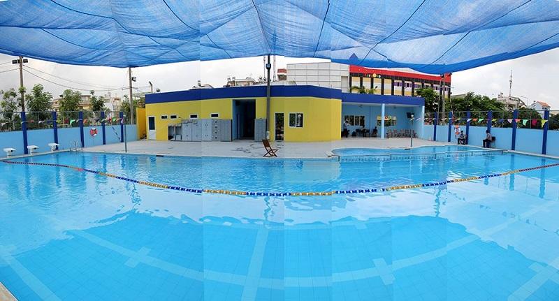 Hồ bơi thuộc khu vực trường Việt Anh