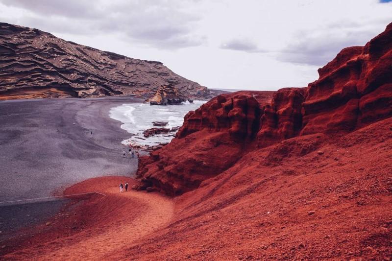 Phong cảnh đá núi tại đảo Lanzarote