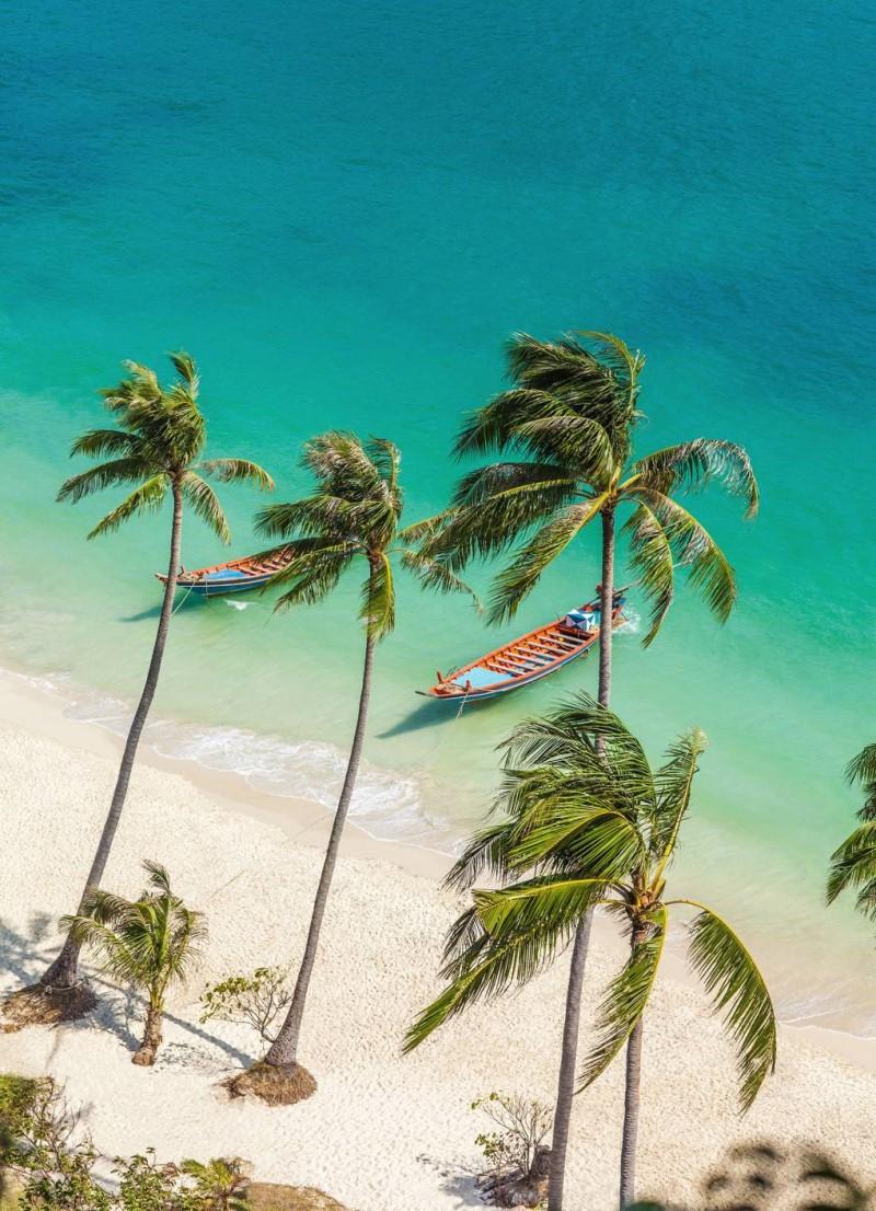 Hòn đảo ở Thái Lan với nước trong vắt và những hàng dừa xanh