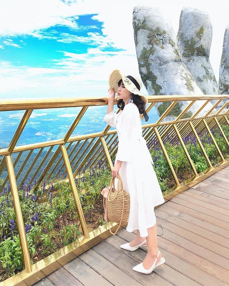 Check in tại cầu bàn tay Đà Nẵng