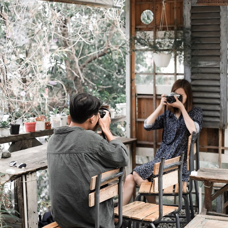 Máy ảnh là một trong những thứ mà bạn cần chuẩn bị khi đi du lịch Đà Lạt