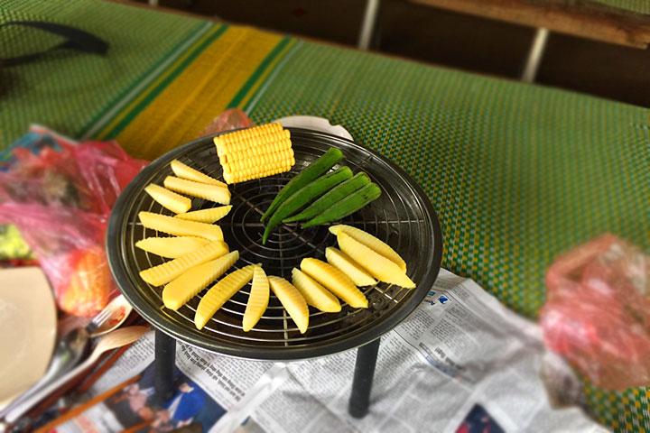 Bếp nướng than để chế biến các món ăn