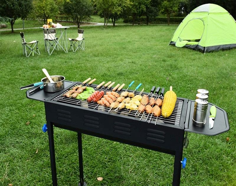 Bếp nướng có kích thước lớn phù hợp trong các buổi cắm trại ngoài trời