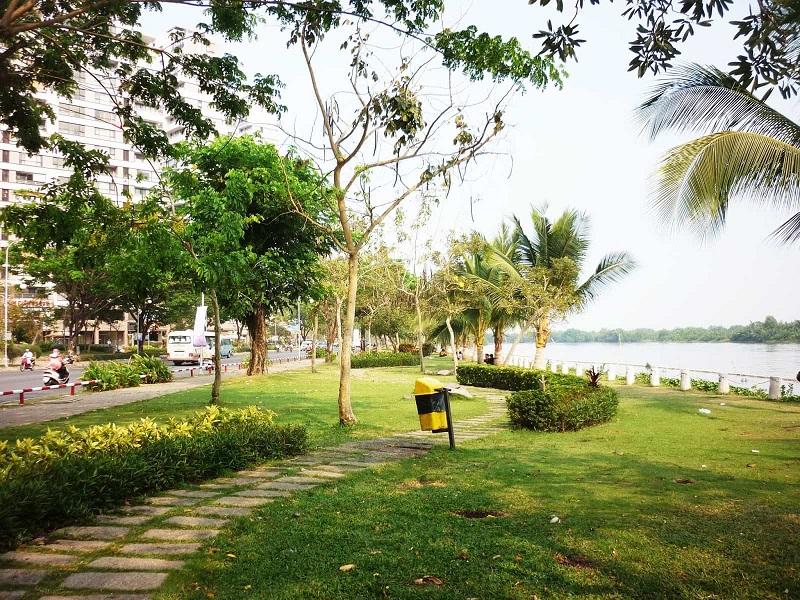 Công viên view bờ sông thoáng đãng