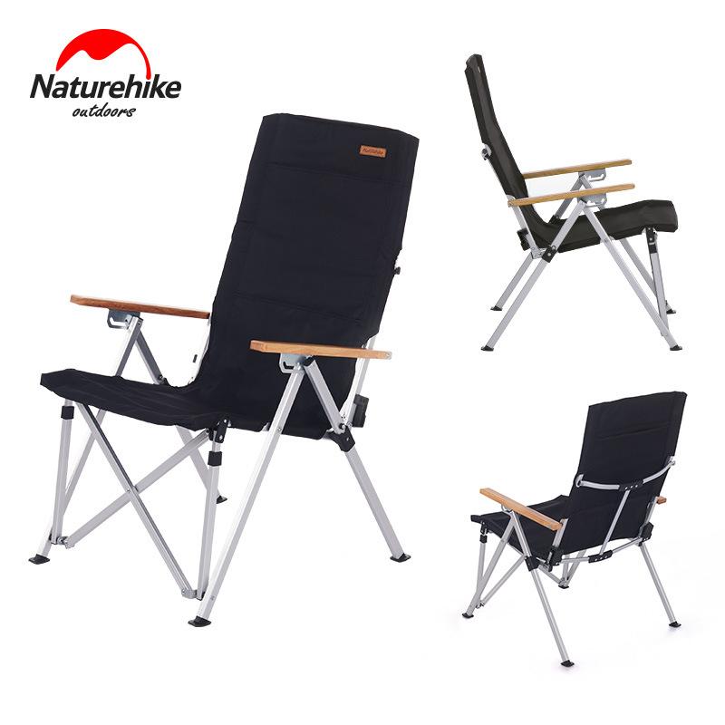 Bề mặt ghế xếp được làm từ vải dù