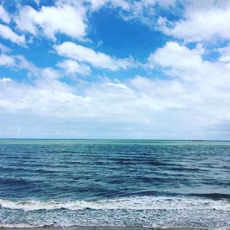 Khung cảnh biển cả mênh mông xanh mát