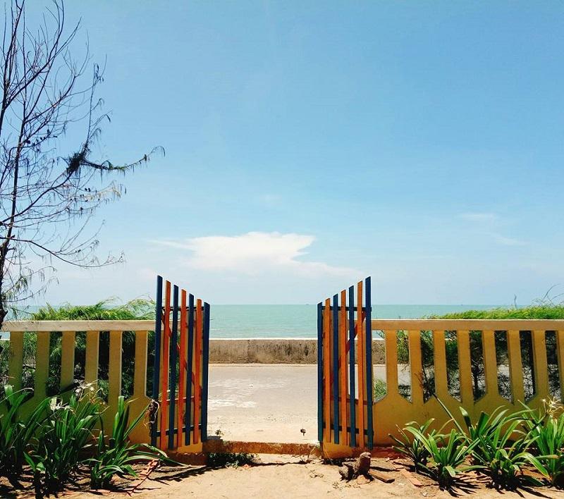 Cánh cửa bước ra tới biển cả