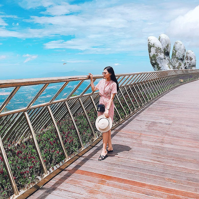 check in cầu Vàng Đà Nẵng