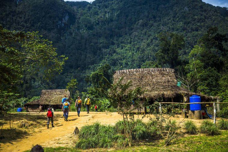 Ghé tới bản Đoòng - nơi sinh sống của người Bru - Vân Kiều