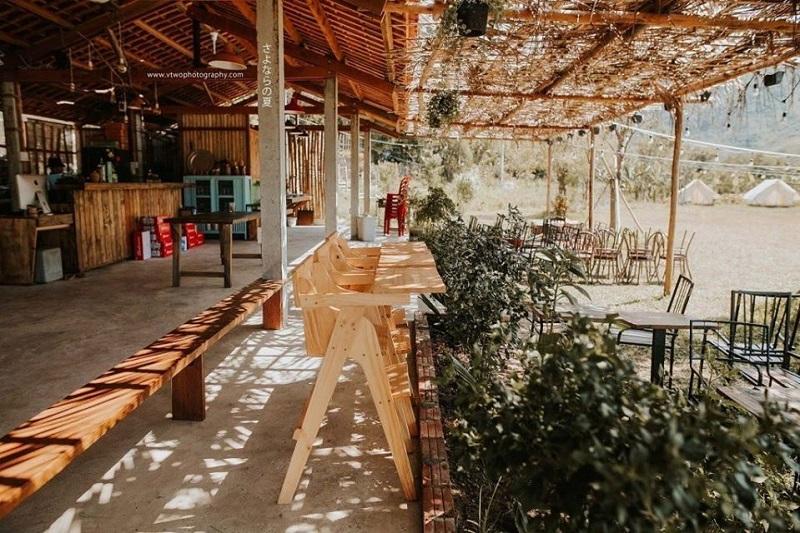 Không gian quán cafe ở Yên Retreat