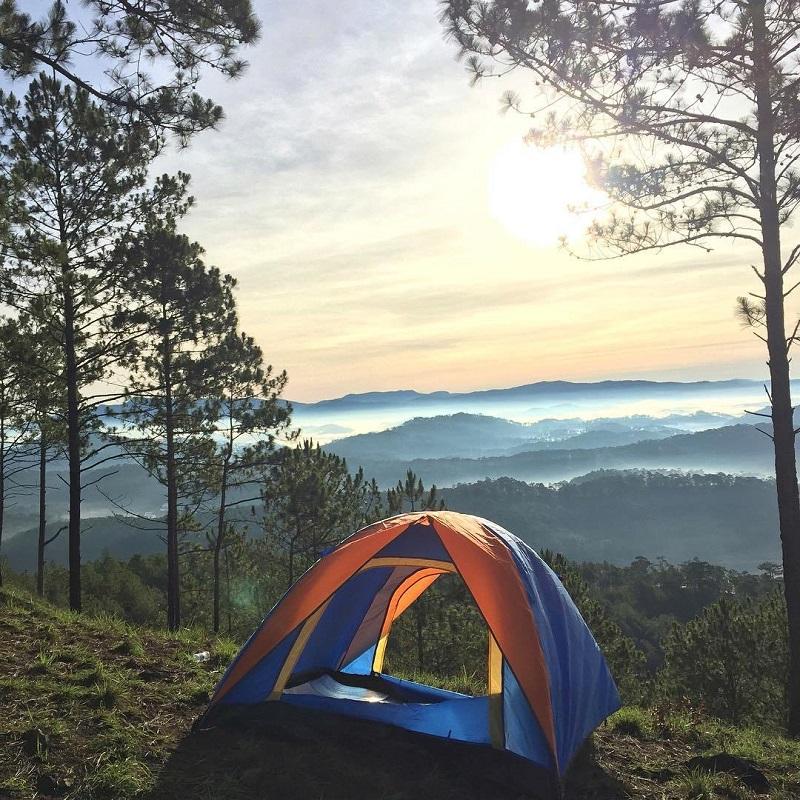 Dựng lều trại ngắm cảnh bình minh trên đỉnh Hòn Bồ