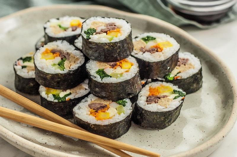 Cơm cuộn Hàn Quốc đơn giản dễ làm