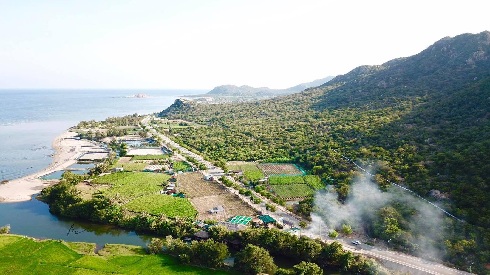 Vườn quốc gia Núi Chúa khi nhìn từ trên cao