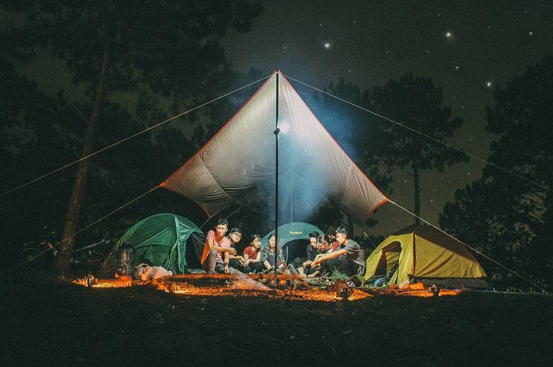 Dựng lều trại qua đêm trên đỉnh núi Hòn Bồ