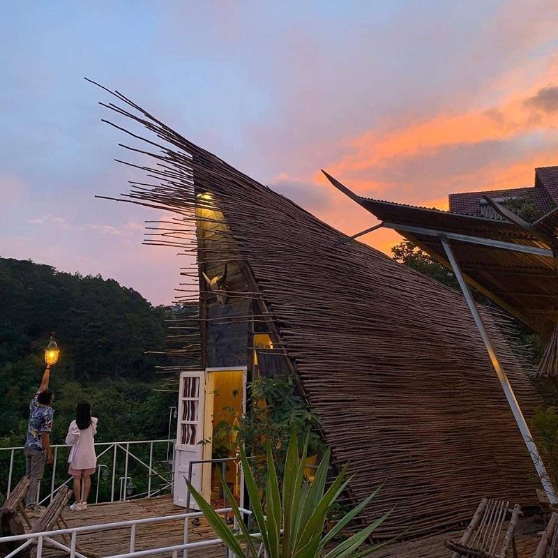 Kiến trúc phòng độc đáo ở Somehow Cabins Đà Lạt