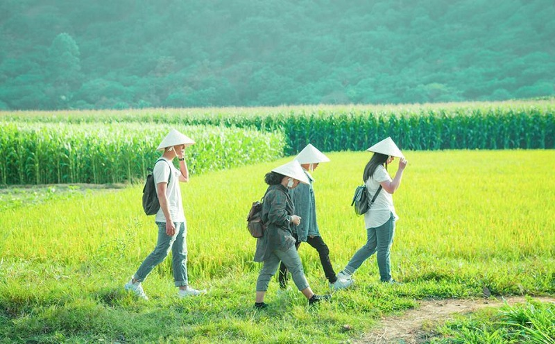 Quãng đường dài gần 10km di chuyển đến Bàu Sấu