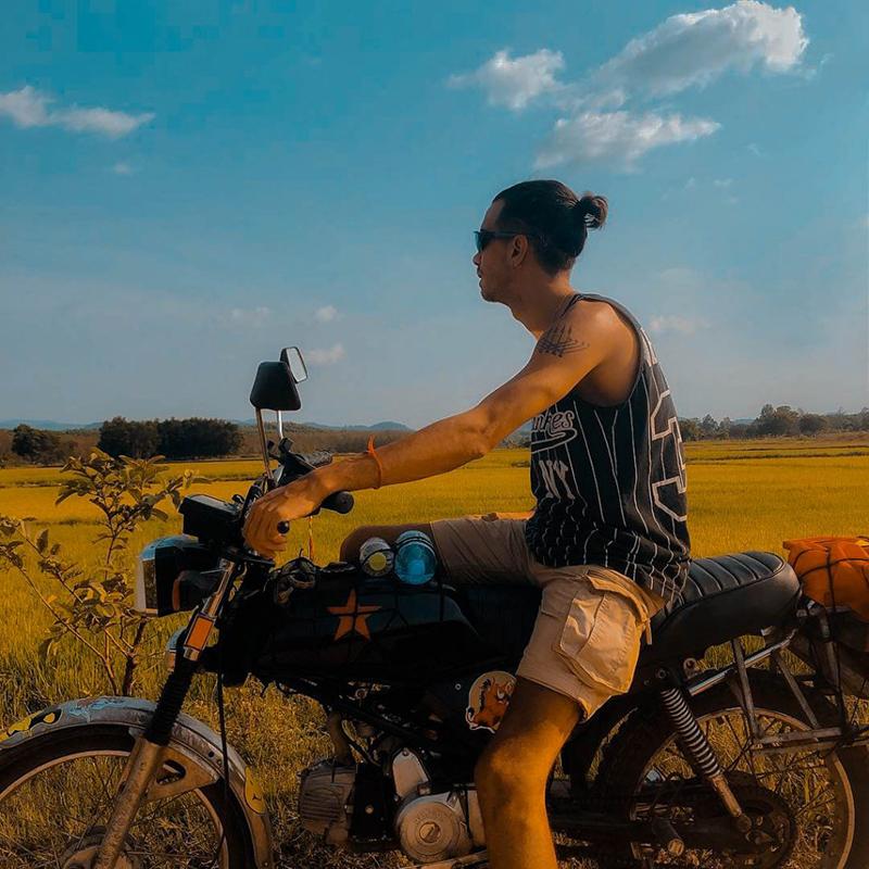 Di chuyển bằng xe máy đến rừng Nam Cát Tiên