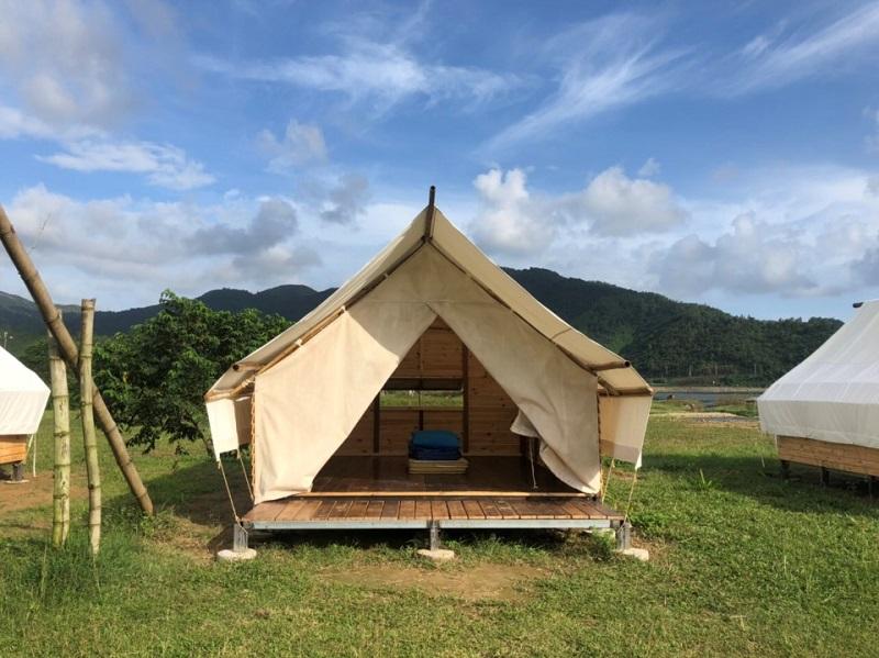 Không gian bên trong lều rộng rãi