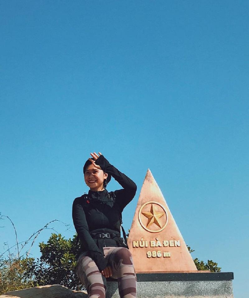 Check in tại cột mốc núi bà đen 986m