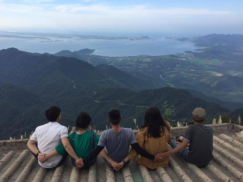 Ngắm toàn cảnh vườn quốc gia Bạch mã từ trên cao