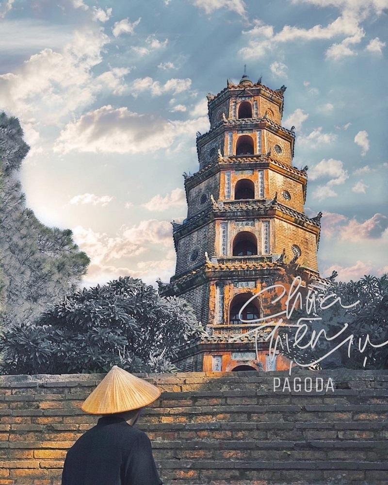 Một góc tháp Phước Duyên trầm mặc trong chùa Thiên Mụ