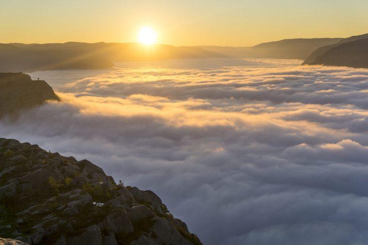 biển mây trên đỉnh Khang Su Văn