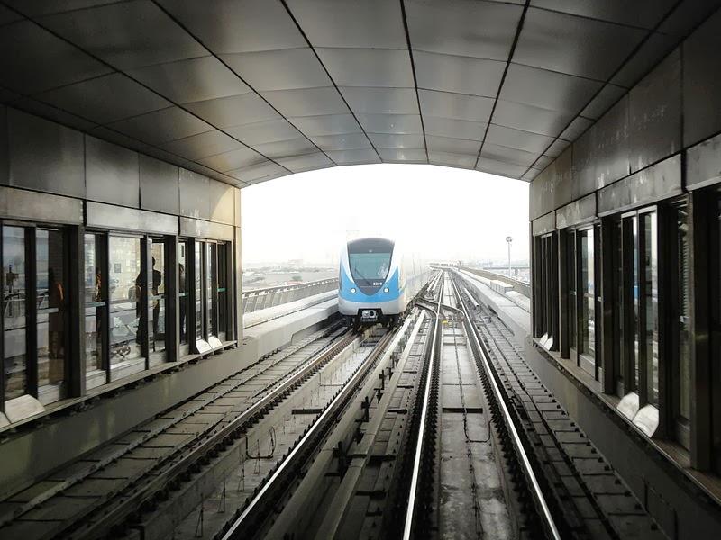 Tàu điện ngầm ở Dubai