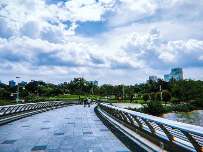 Cầu ánh sao Sài Gòn tọa lạc tại khu đô thị mới Phú Mỹ Hưng