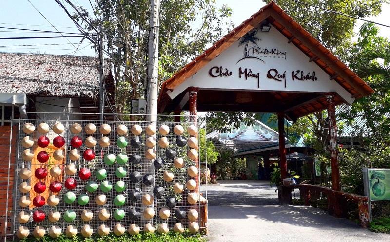 Cổng khu du lịch Phú AN Khang