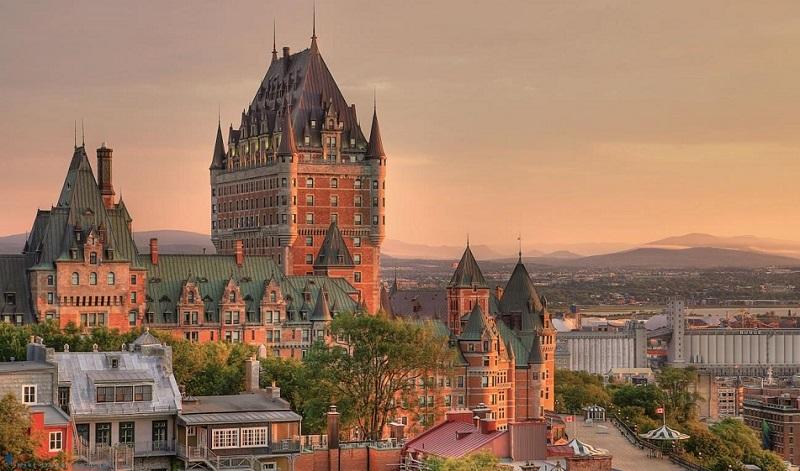 công viên Pháo đài cổ Quebec trong chiều hoàng hôn