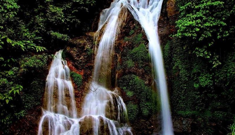 Cửu Thác Tú Sơn bao gồm 9 con thác mang những vẻ đẹp khác nhau, hòa quyện lại tạo thành khung cảnh hùng vĩ, huyền bí mà không kém phần thơ mộng.