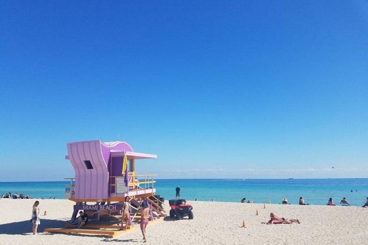 Nằm ở miền nam Florida, Miami không chỉ là một điểm đến tuyệt vời không chỉ bởi biển xanh, cát trắng, nắng vàng. Có nhiều nơi trên khắp Florida sở hữu những bãi biển trải dài, song Miami lại mang đến bầu không khí khác hẳn.