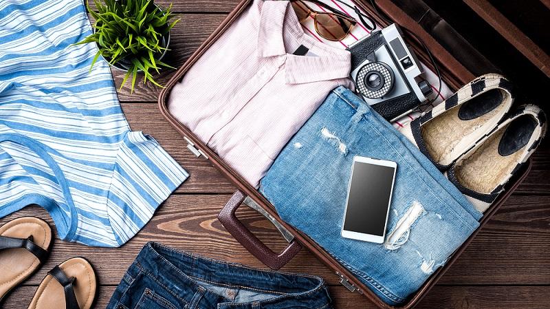 Các vật dụng chuẩn bị cho du khách nằm trong vali