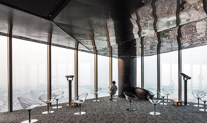 Đài quan sát Landmark Skytại Lotte là điểm ngắm cảnh toàn thành phố thú vị
