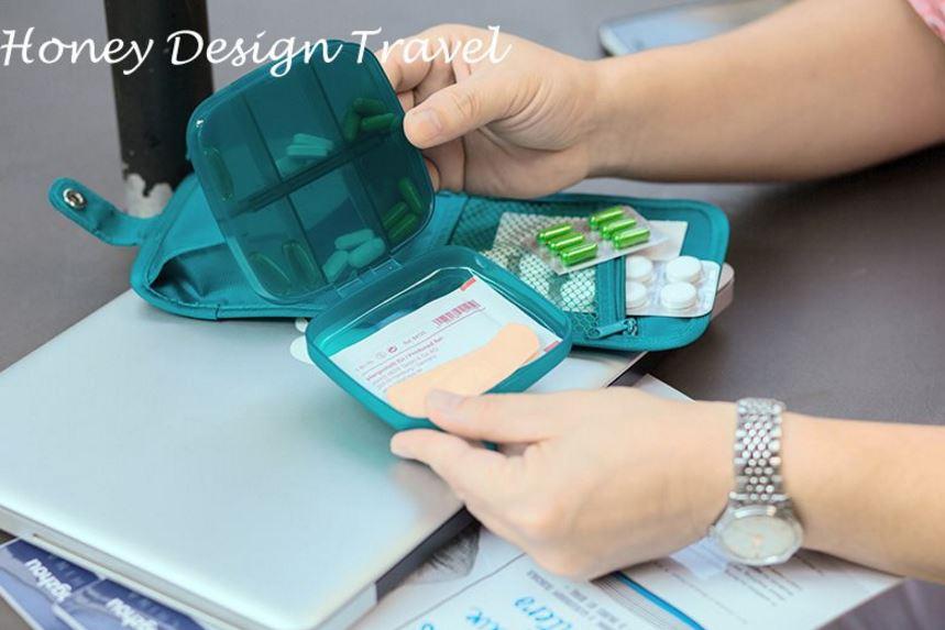 Chuẩn bị đồ đi du lịch đừng quên túi đựng thuốc và túi y tế cá nhân