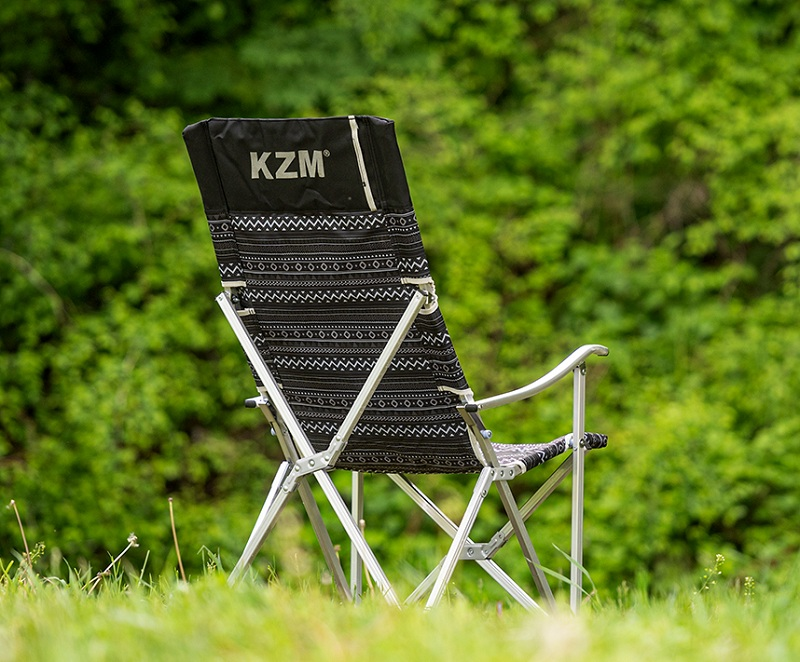 Ghế dựa xếp Kazmi K3T3C025BK có phần khung nhôm nhẹ chắc chắn