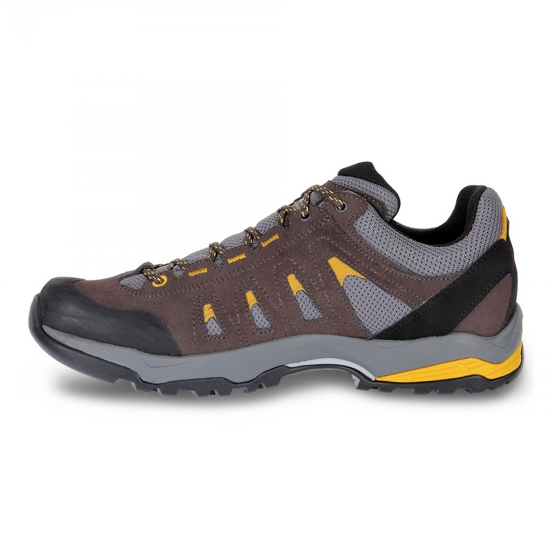 Giày đi phượt Scarpa Moraine GTX.