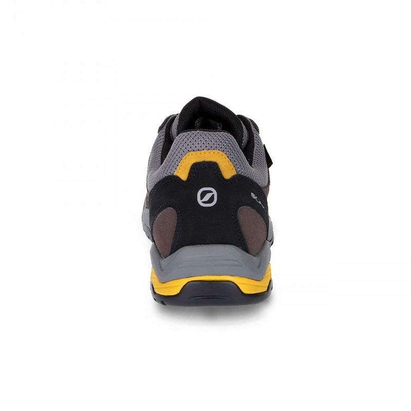 Giày chống thấm nước Scarpa Moraine GTX.