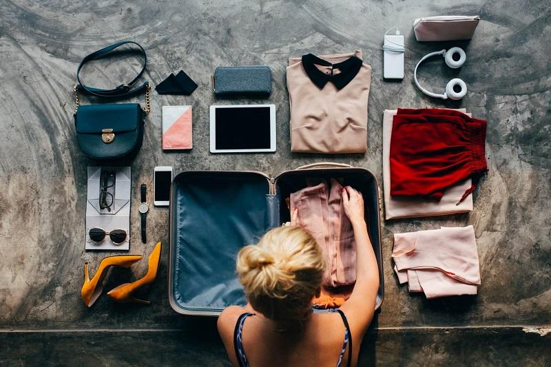 xếp quần áo khi đi du lịch