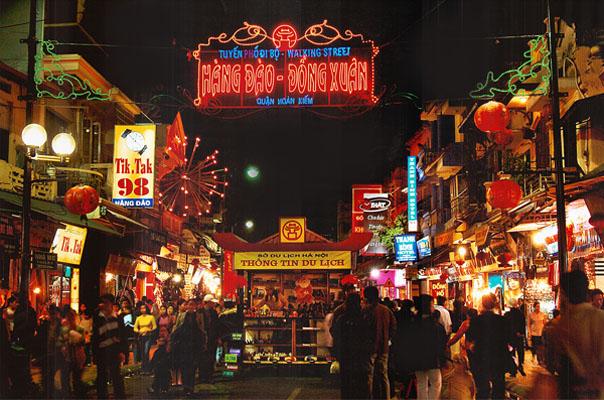 Khu chợ đêm phố cổ tại Hàng Đào