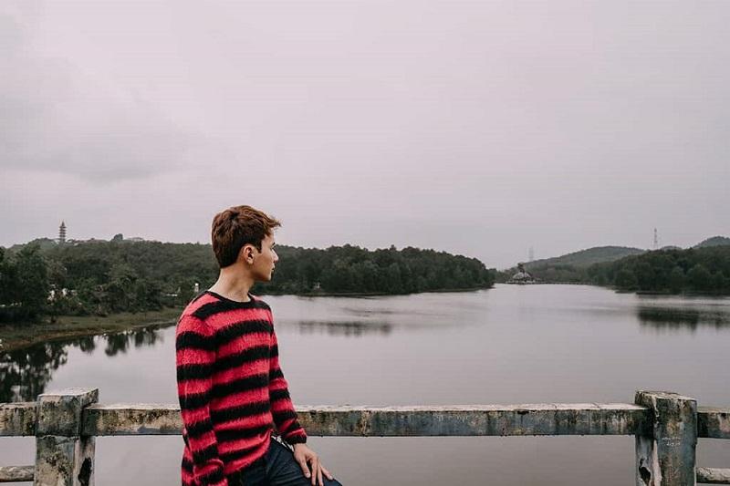 Khung cảnh xa xa của ngọn đồi Thiên An
