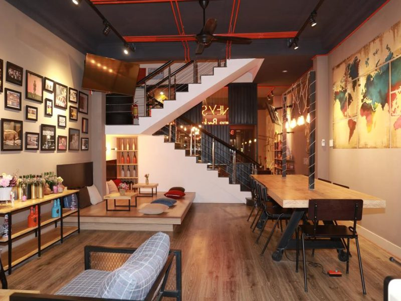 Không gian mộng mơ tại Barney's Danang Backpacker Hostel