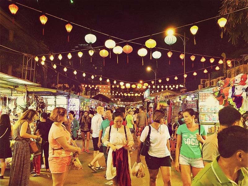 chợ đêm Nha Trang