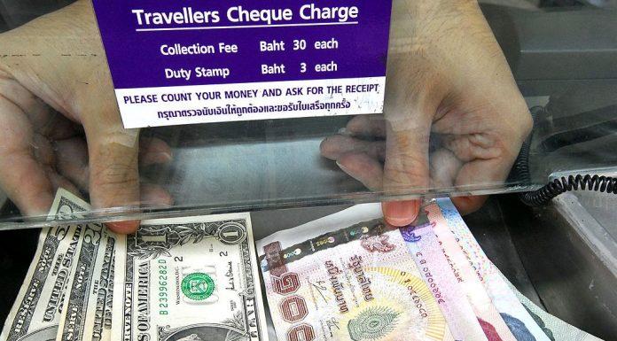Đổi tiền đô và tiền Thái Lan