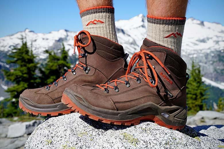 Giày leo núi du lịch