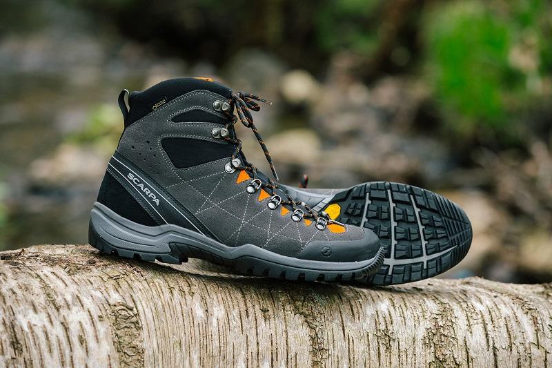 Giày leo núi chuyên dụng