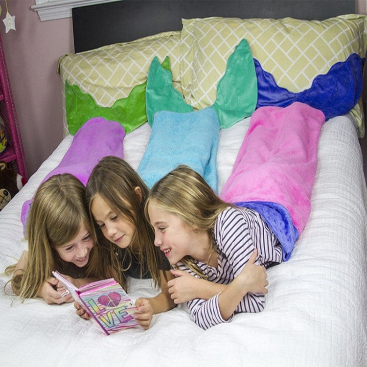 Túi ngủ hình thú Shark Velvet Flannel đẹp, dễ thương