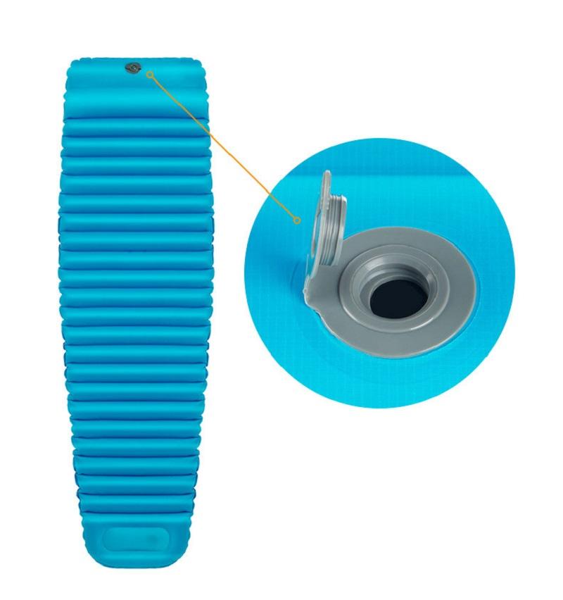 2 van khí ở mặt sau gối và phía cuối chân giúp bơm và xả khí