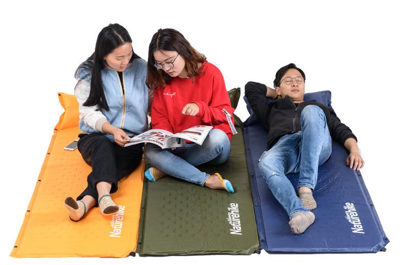 Ghép 3 tấm đệm hơi màu cam, xanh than, xanh lá thành đệm lớn cho 3 người ngồi trò chuyện, thư giãn
